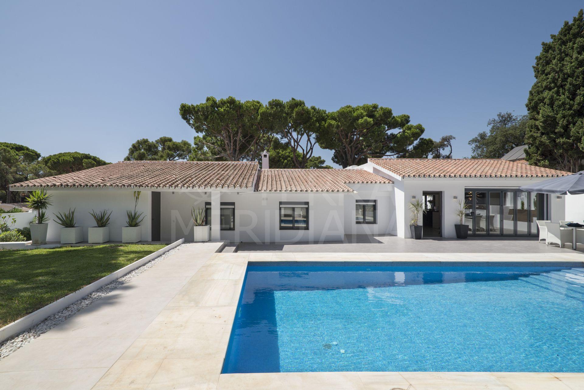 Remodelled single level luxury villa for sale in El Rosario ...