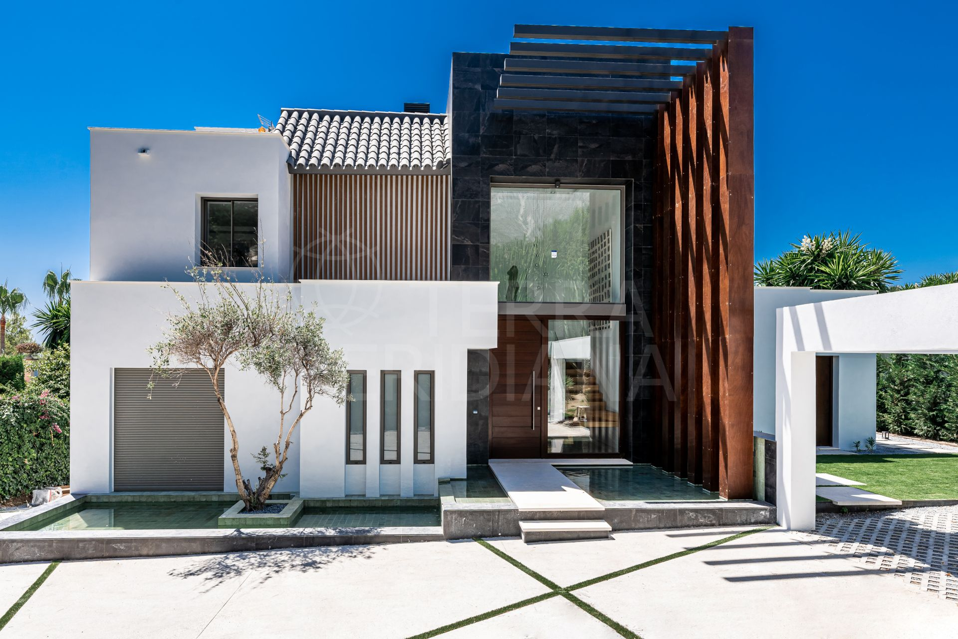 Stunning contemporary style brand new villa for sale in Sierra Blanca, Marbella