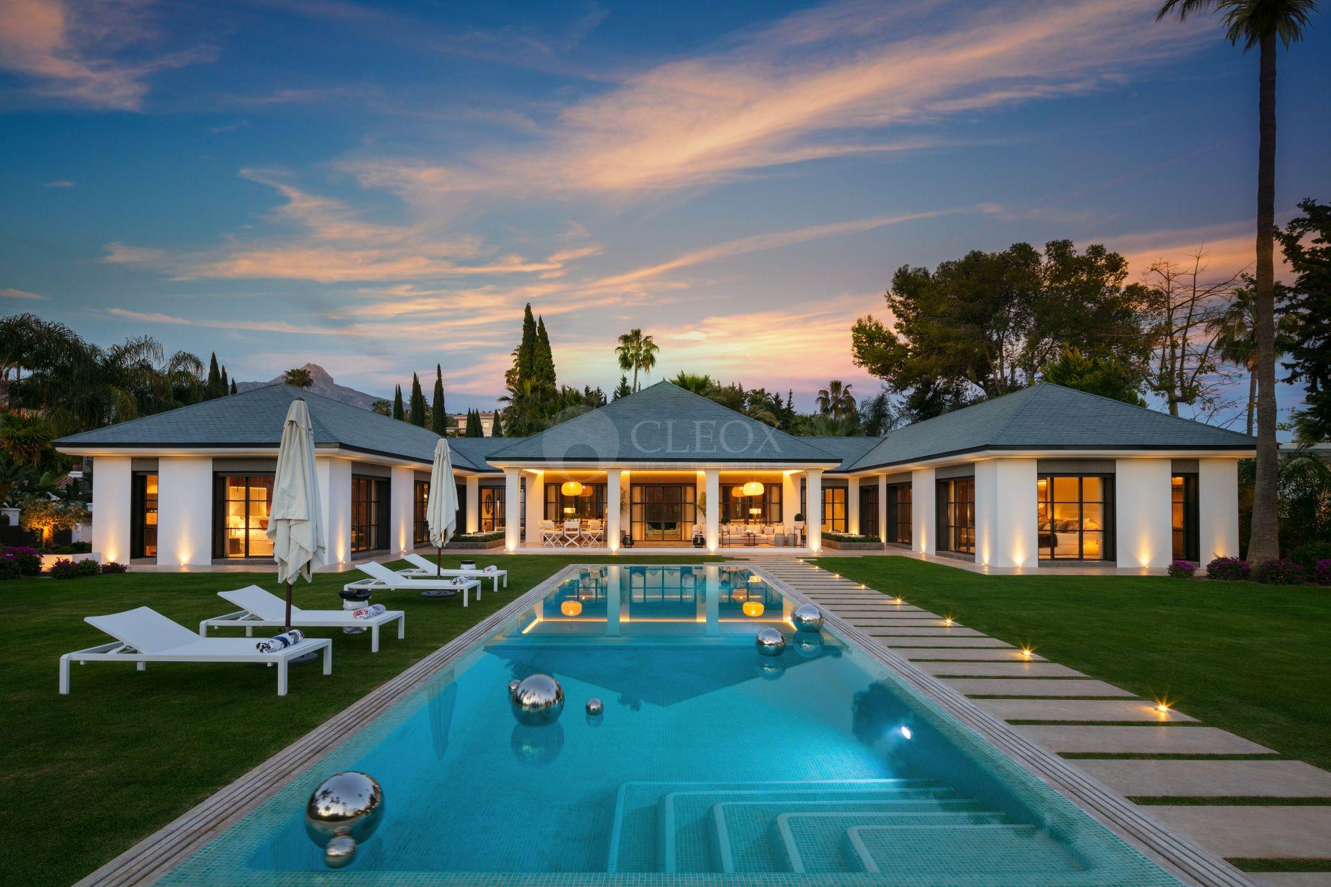 Brand new luxury villa for sale in Nueva Andalucia, frontline Las