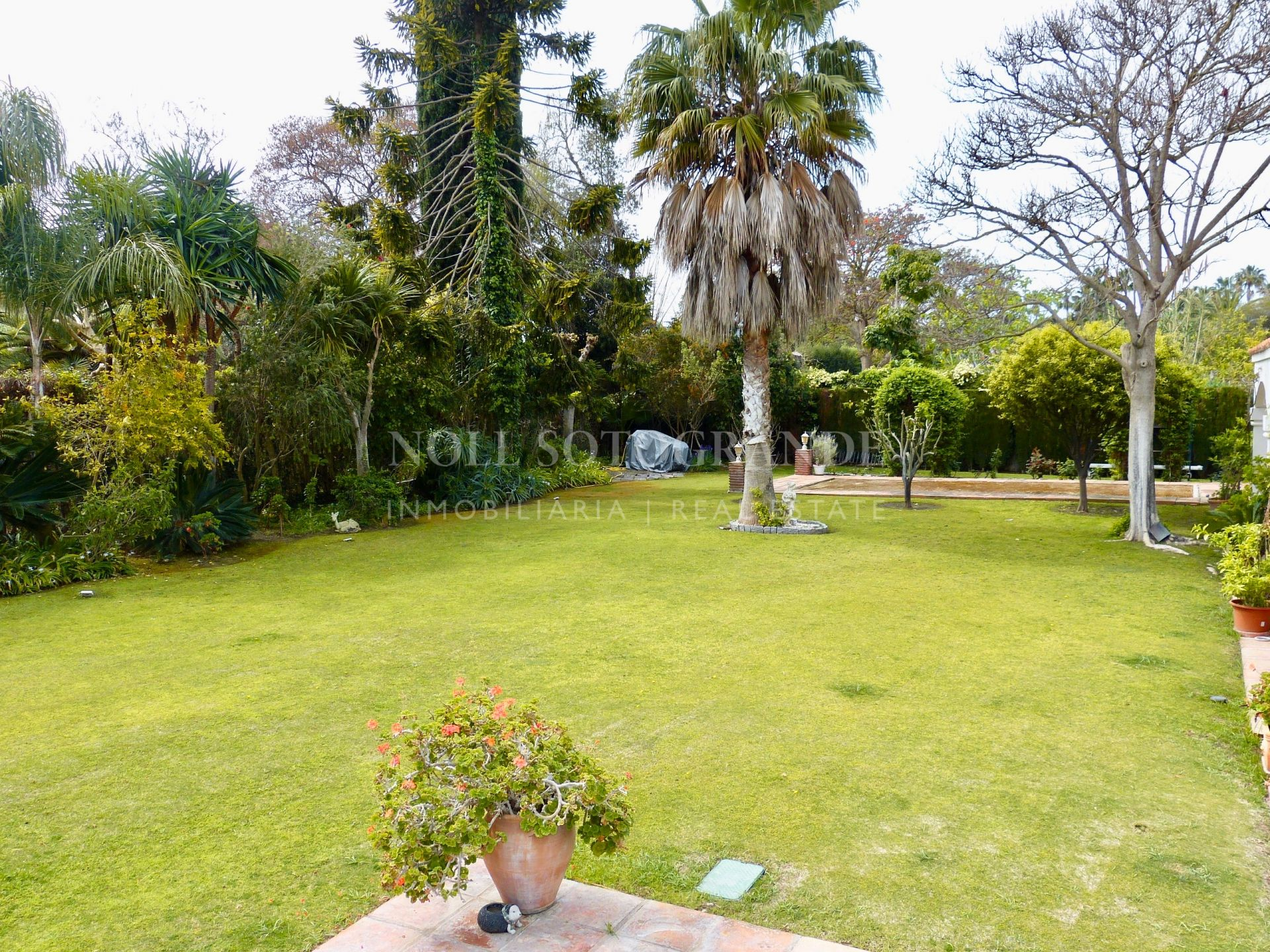 Villa with great potential for sale Sotogrande Costa