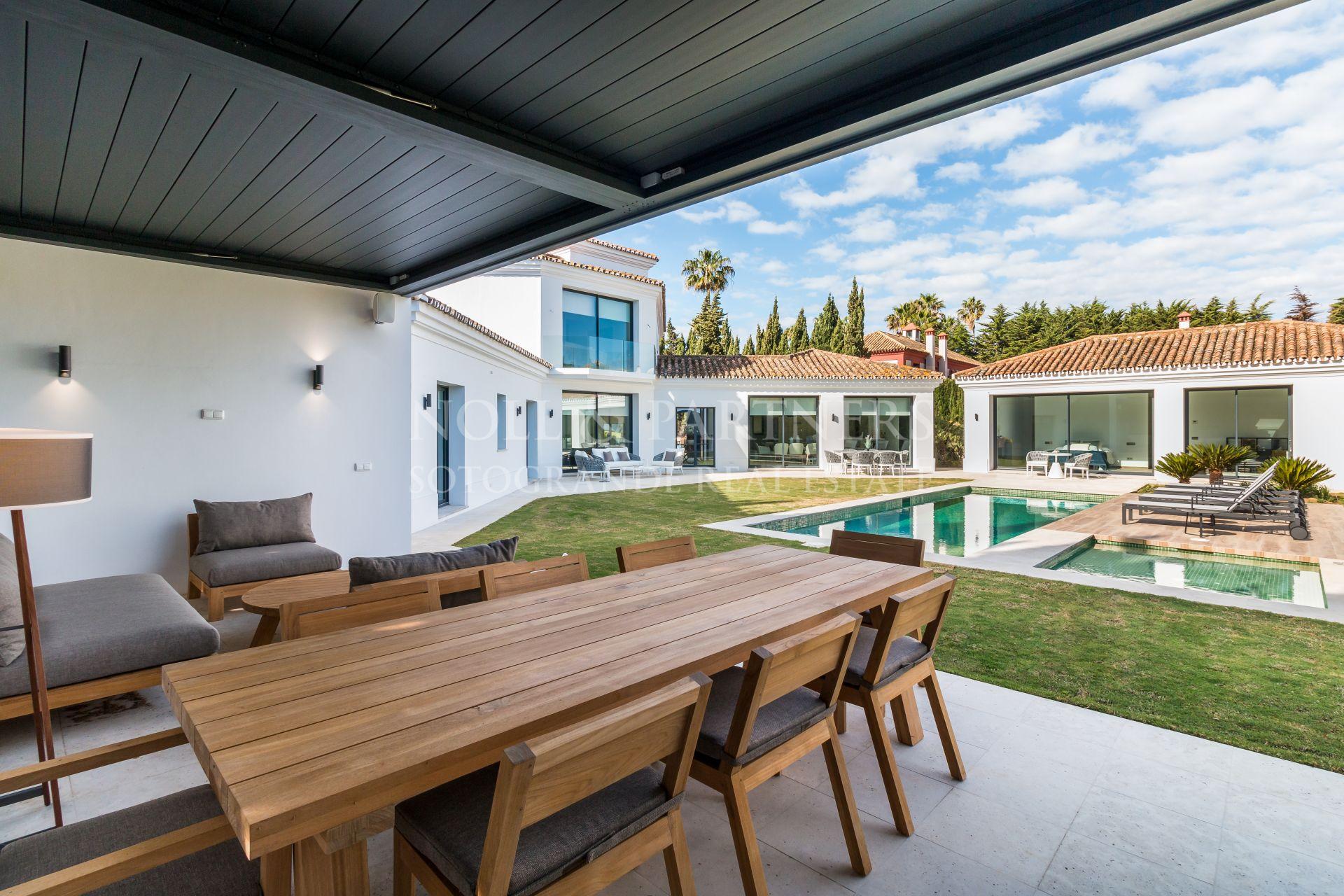 Sotogrande Costa, refurbished villa for sale