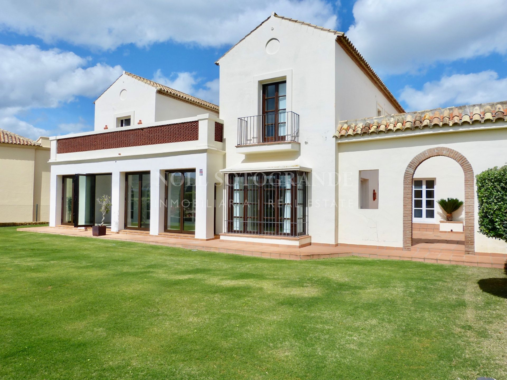 Modern Villa in Los Cortijos de La Reserva