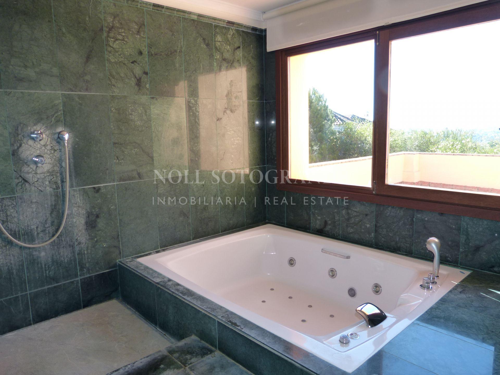 Villa for sale near Sotogrande International School