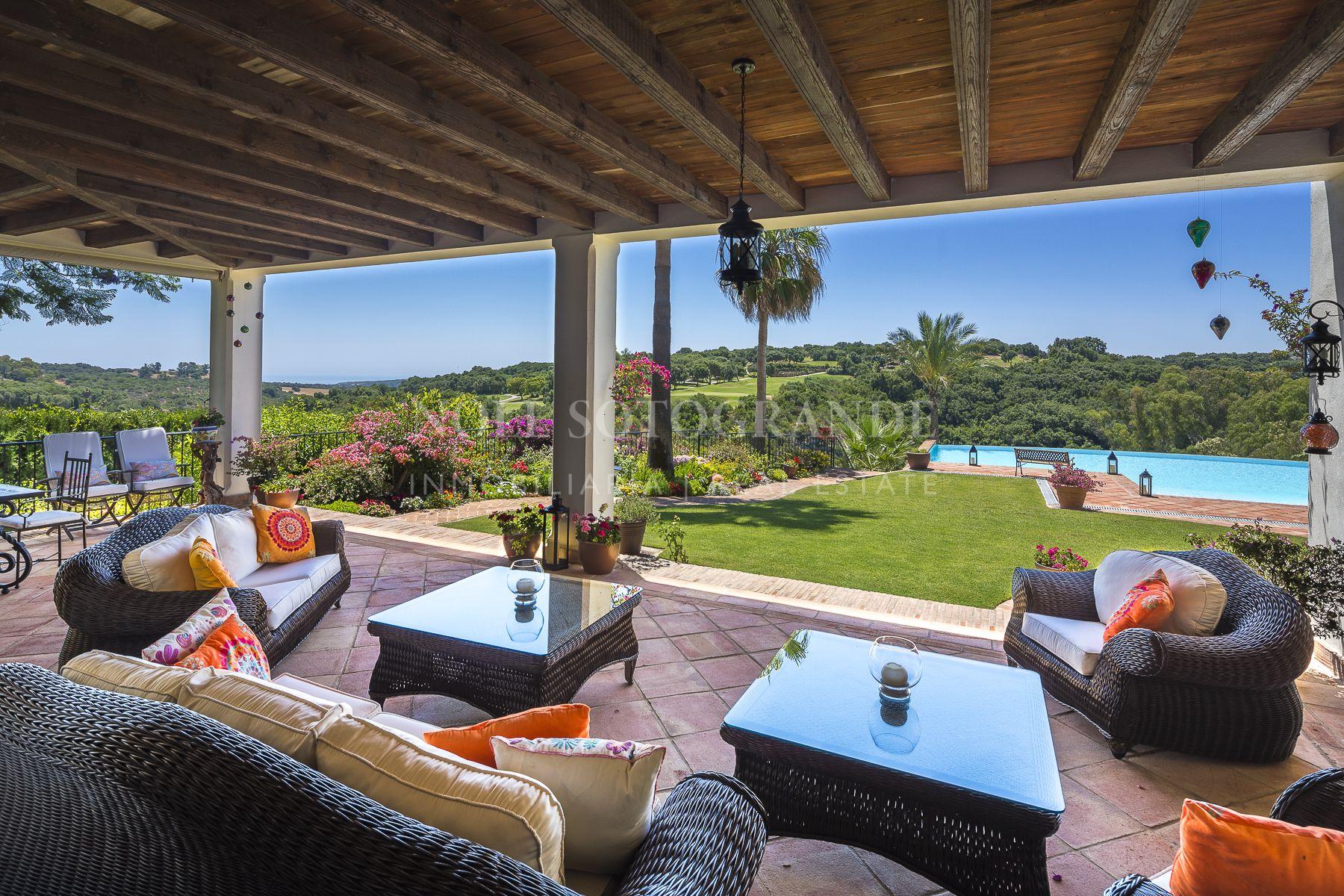 Sotogrande Alto, Gran villa con vistas al golf y al mar