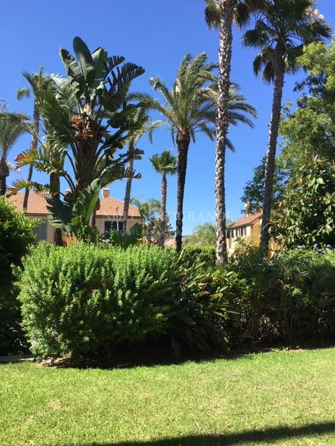 Sotogrande beach apartment Block 10