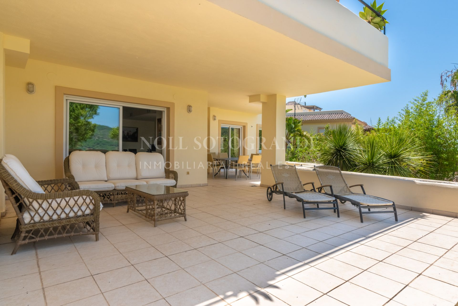 Spacious apartment for sale San Roque Club