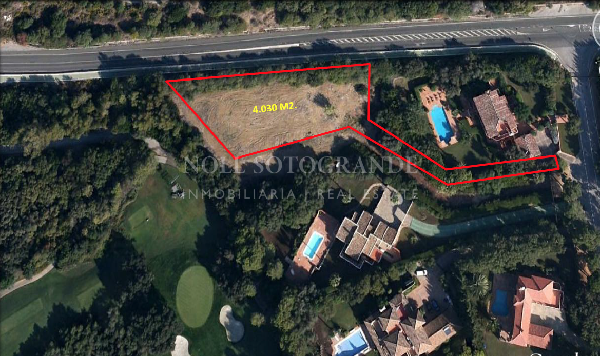 Large plot for sale with view to Valderrama Golf Course