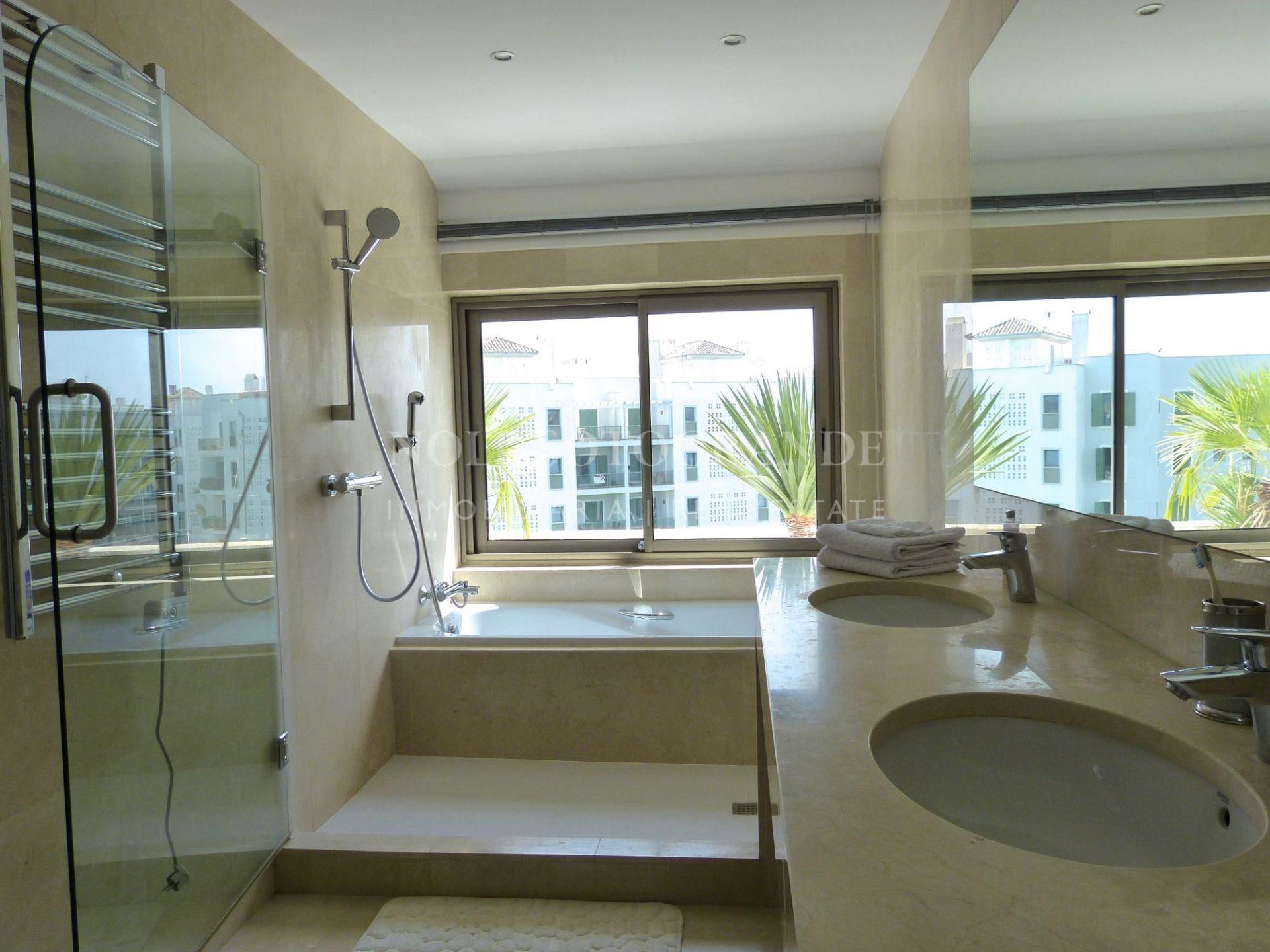 Refurbished penthouse for sale on Isla Pez Barbero Sotogrande Marina