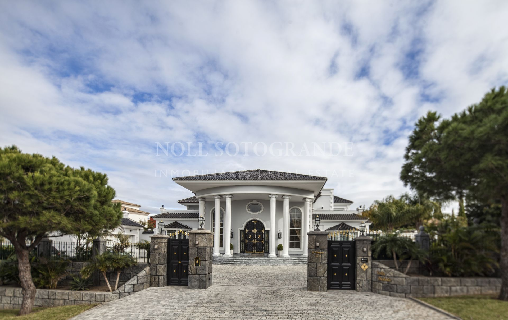 Amazing and unique Villa for sale Sotogrande Alto