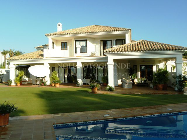 Villa La Reserva de Sotogrande near the International School.
