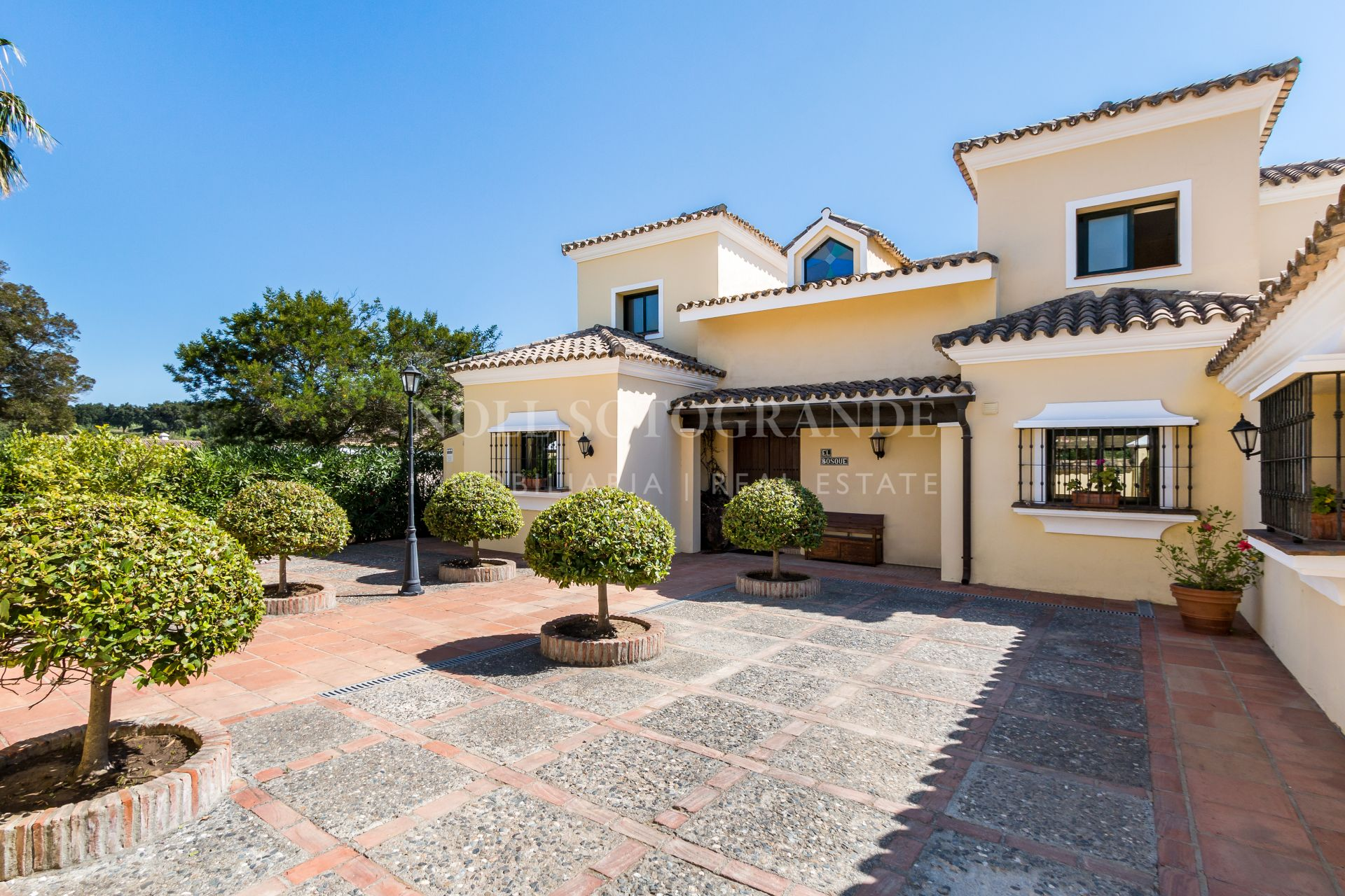 Charming Villa for sale in Sotogrande Alto near Intern.School
