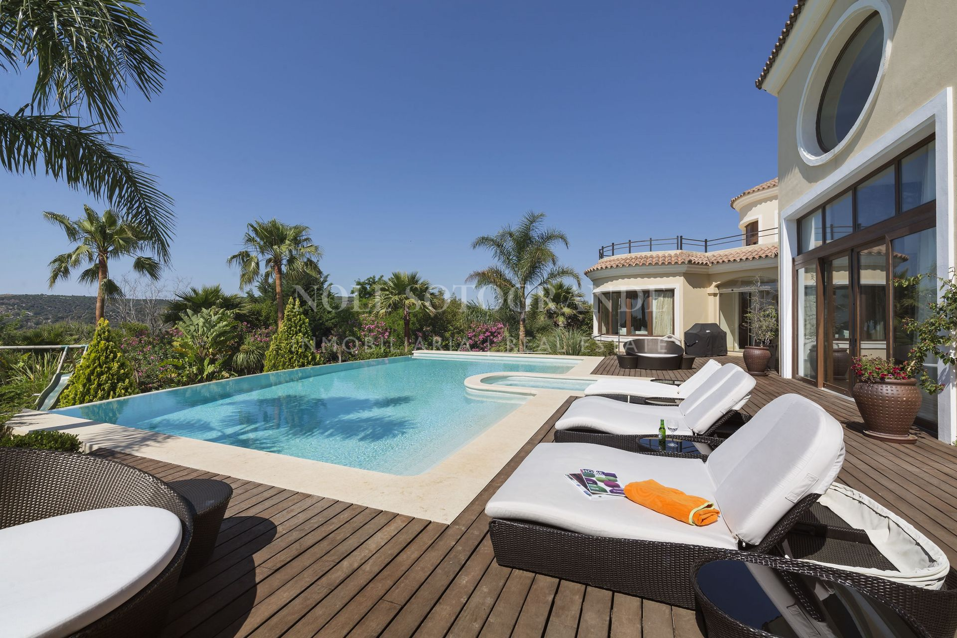 Impressive modern Villa with sea views for sale In Sotogrande Alto
