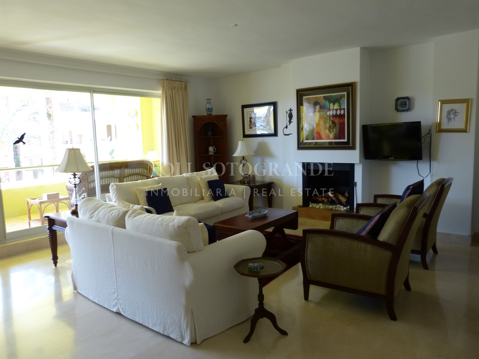 Spacious apartment sale in Sotogrande Port