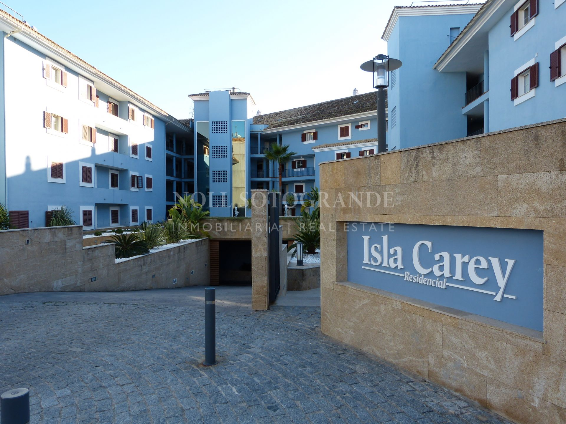 Duplex apartment in Isla Carey Marina Sotogrande for sale