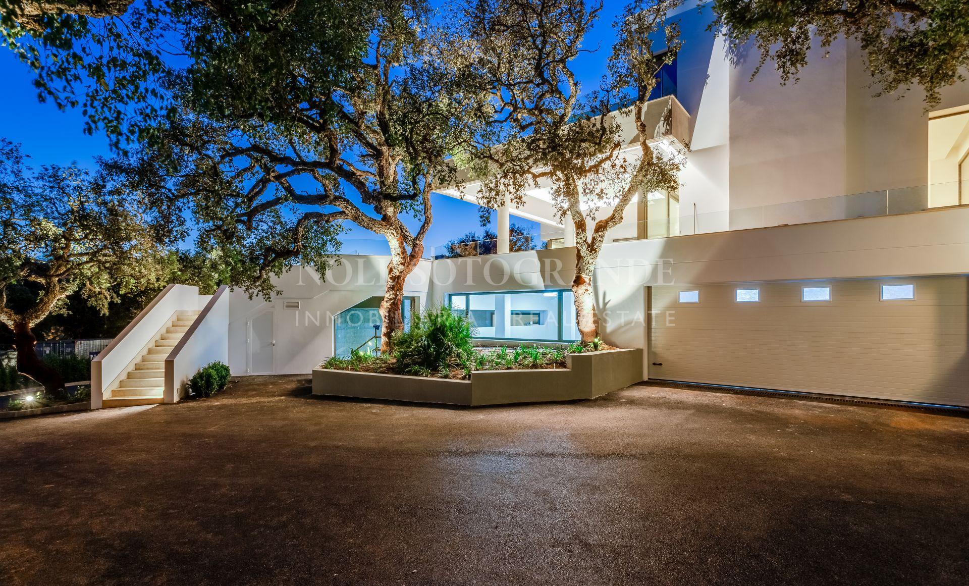Sotogrande Alto, Contemporary Villa Near International School