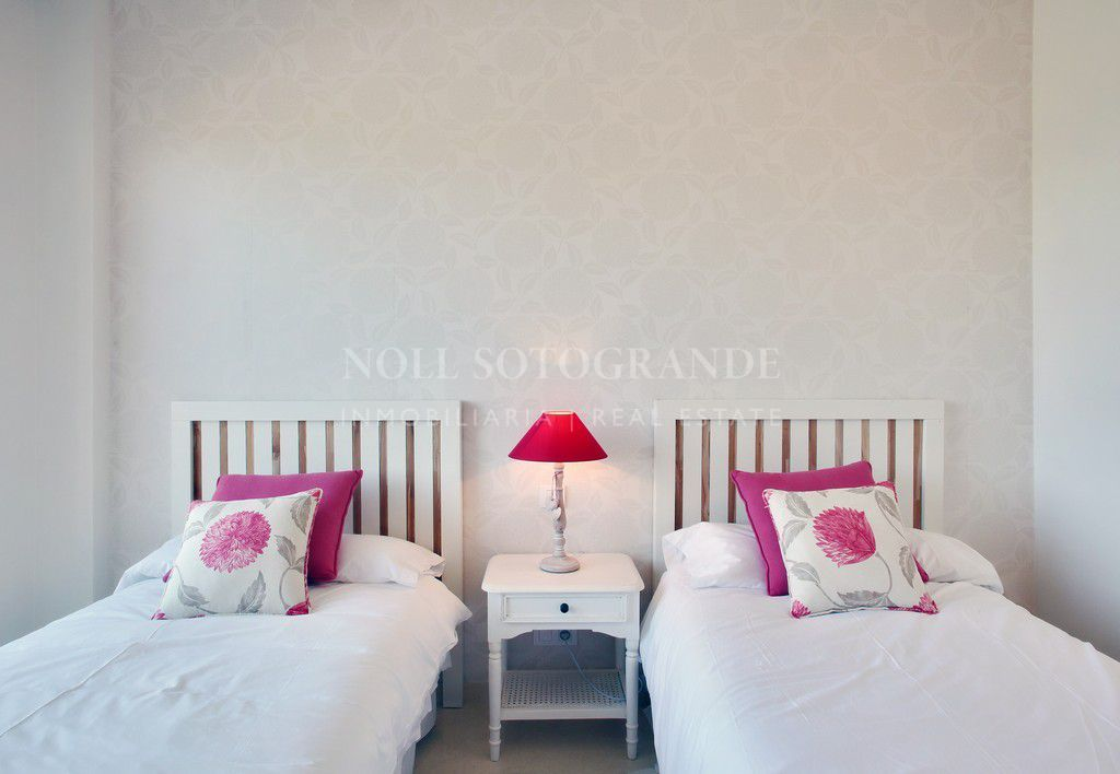 Beautiful modern 2 bedroom apartment Ribera del Marlin
