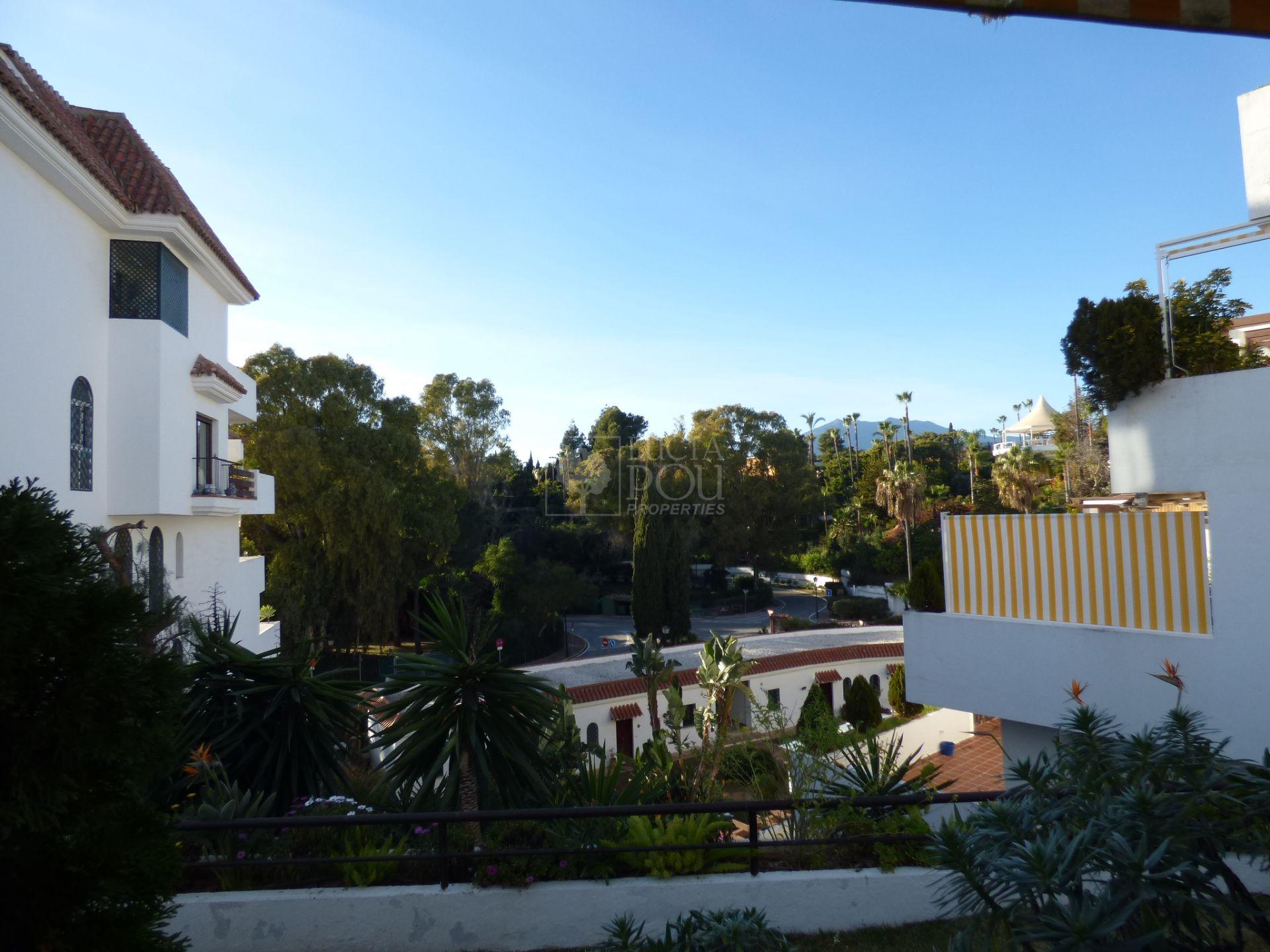 Apartment for sale in Coto Real, Marbella Golden Mile, Marbella