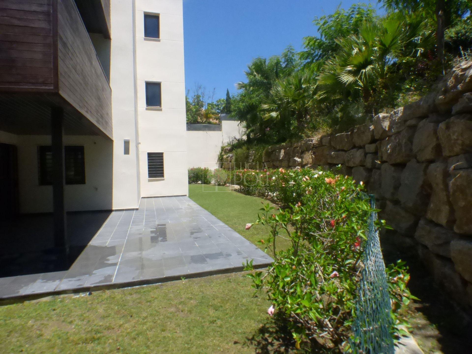 Apartamento Planta Baja  en Los Flamingos, Benahavis