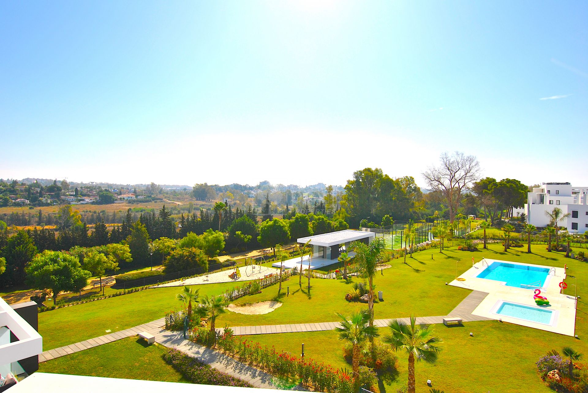 Atico  en New Golden Mile, Estepona