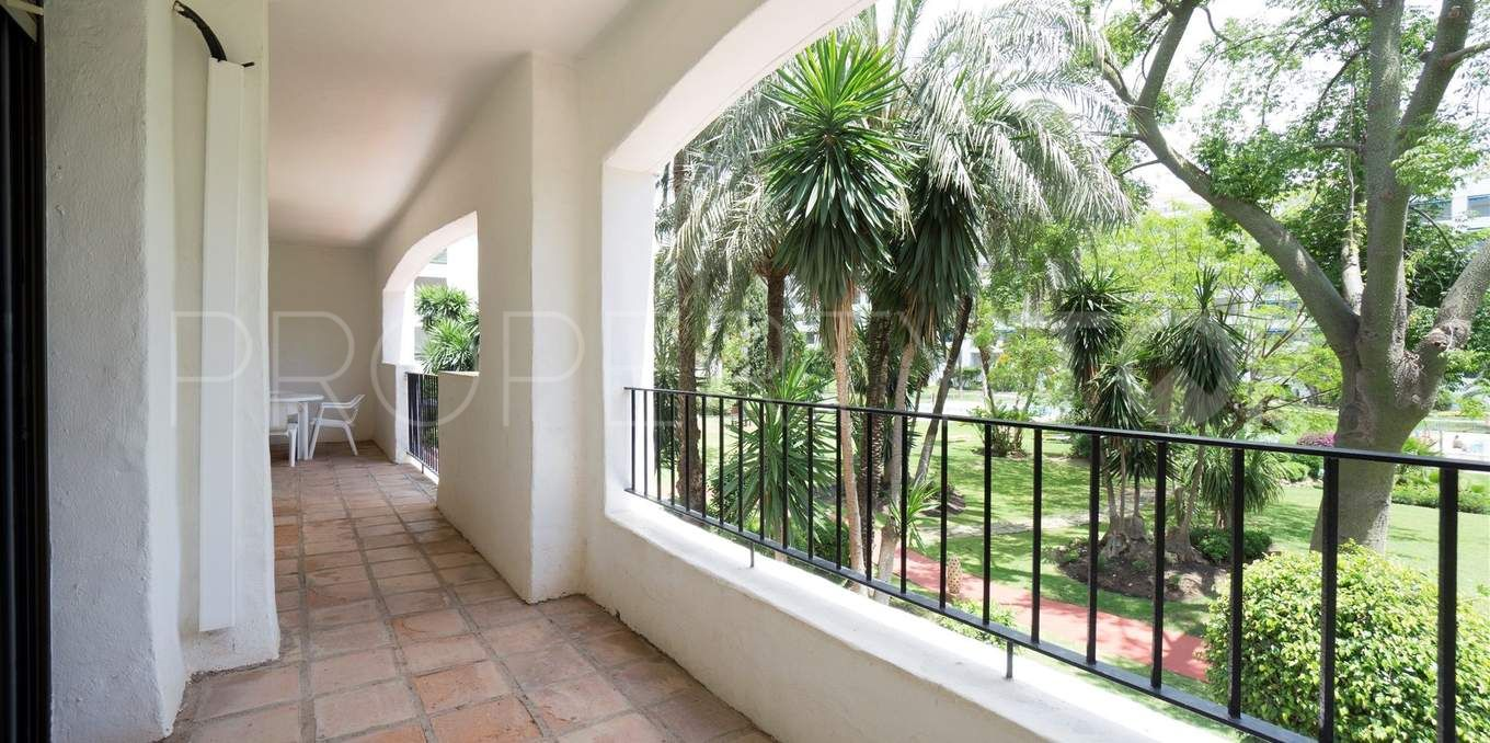 For sale apartment with 3 bedrooms in jardines del puerto for Jardines del puerto puerto banus