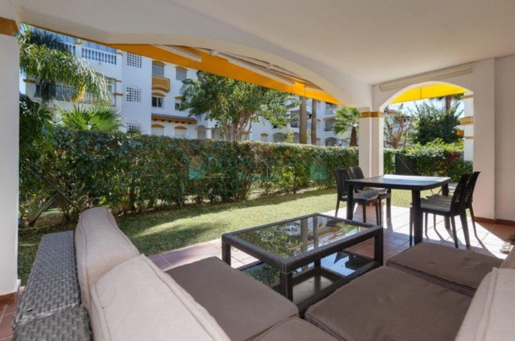Photo Gallery - Ground floor apartment with 4 bedrooms in urb. Dama de Noche, within a short walk to Puerto Banus