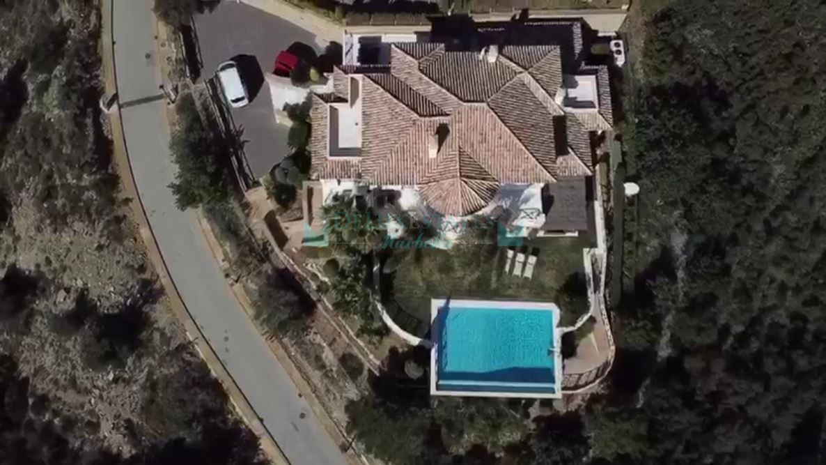Villa for sale in Los Altos de los Monteros, Marbella East