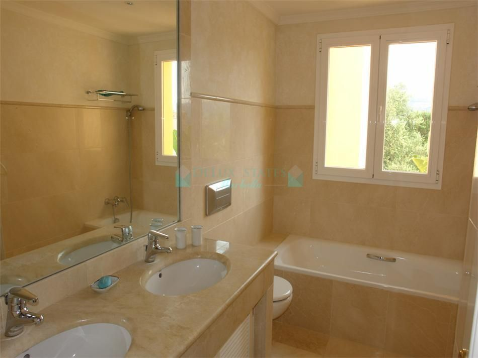 Town House for sale in Elviria, Marbella East