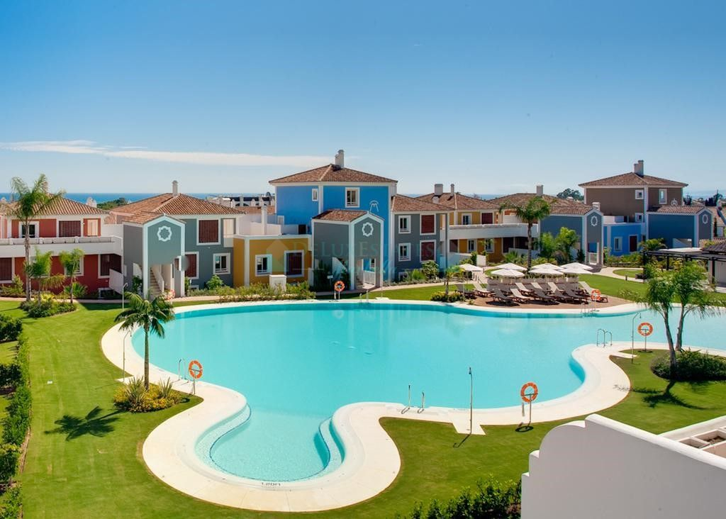 Ground Floor Apartment for sale in El Paraiso, Estepona