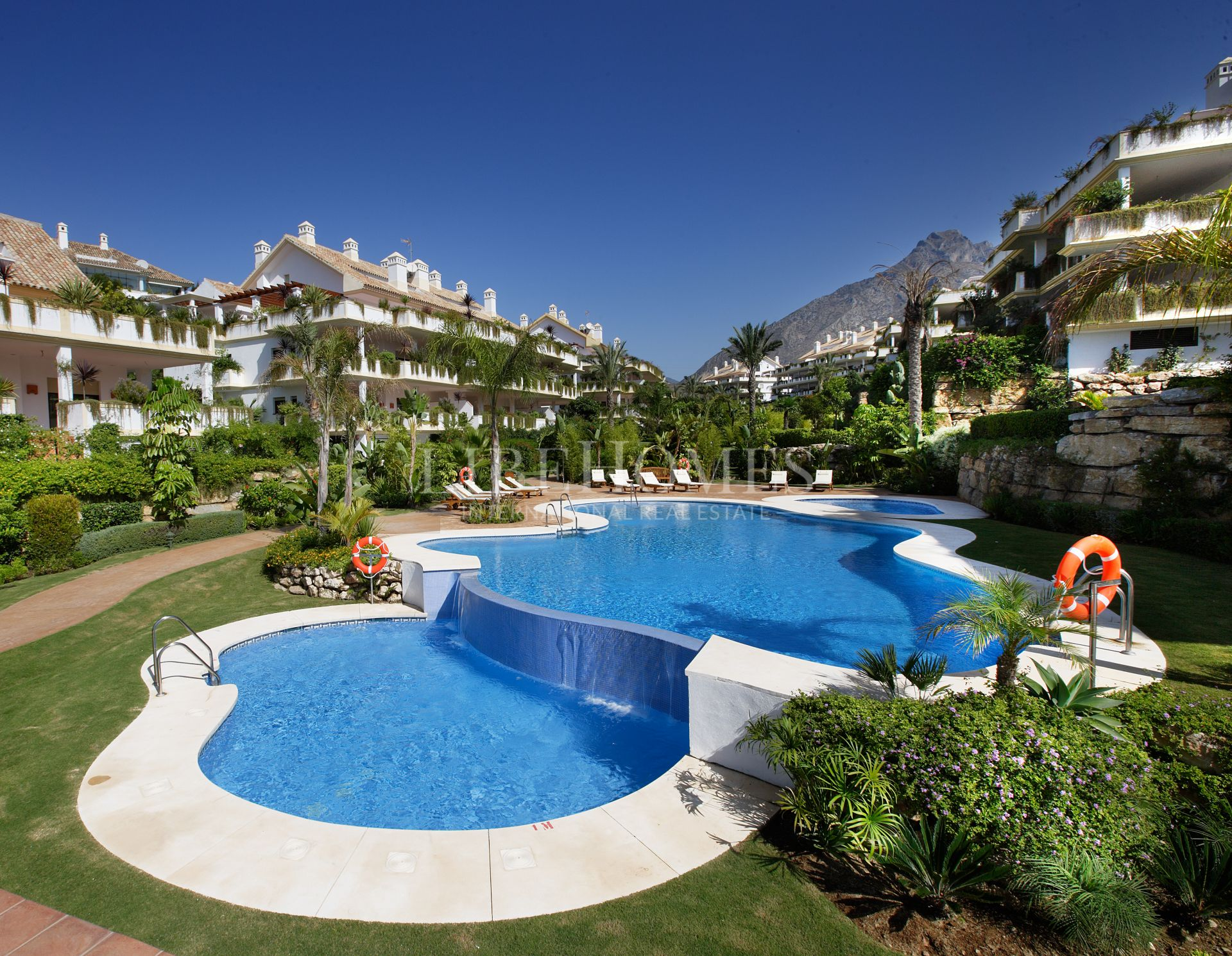 Apartment for sale in Lomas del Rey, Marbella Golden Mile