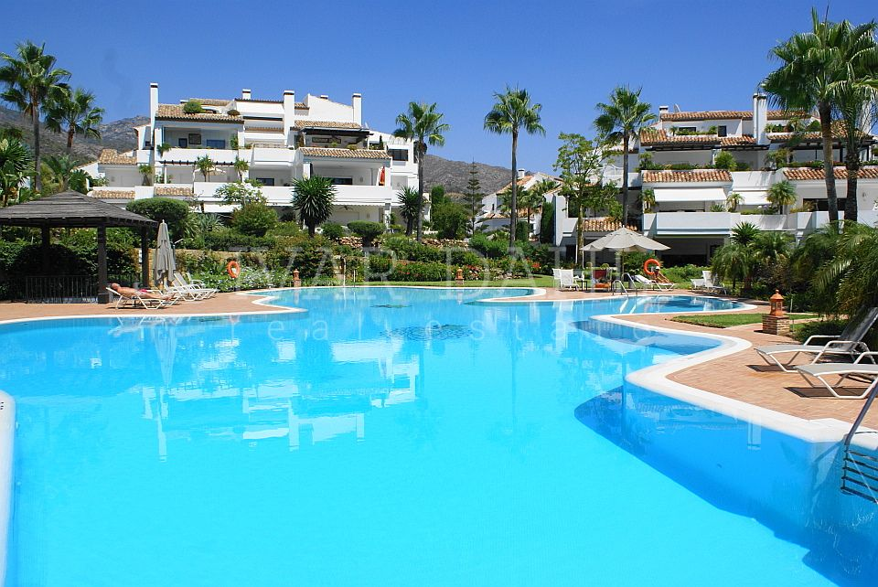 Apartment for sale in Monte Paraiso Country Club, Marbella Golden Mile