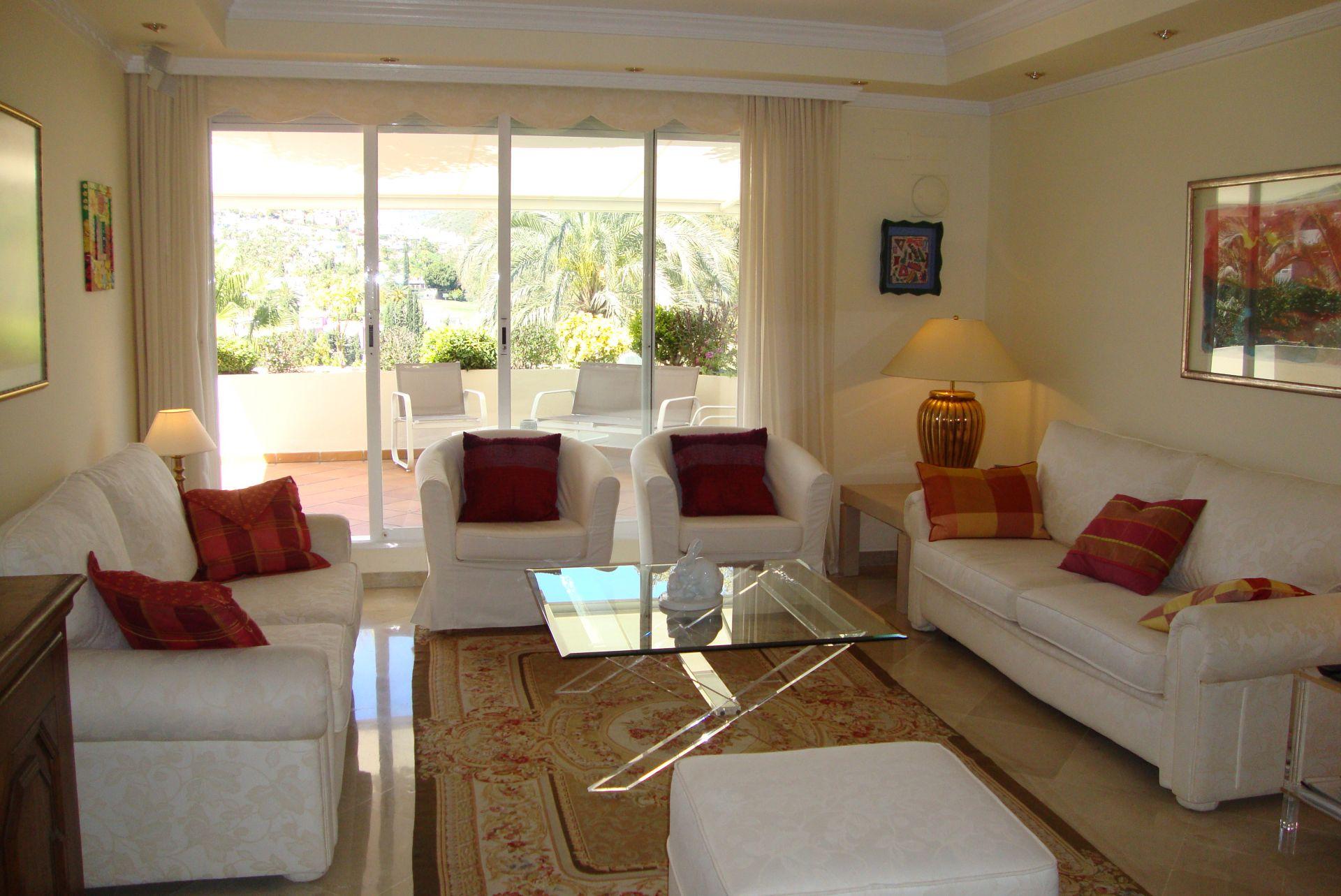 wohnung in golflage zu verkaufen in las brisas in nueva andalucia. Black Bedroom Furniture Sets. Home Design Ideas