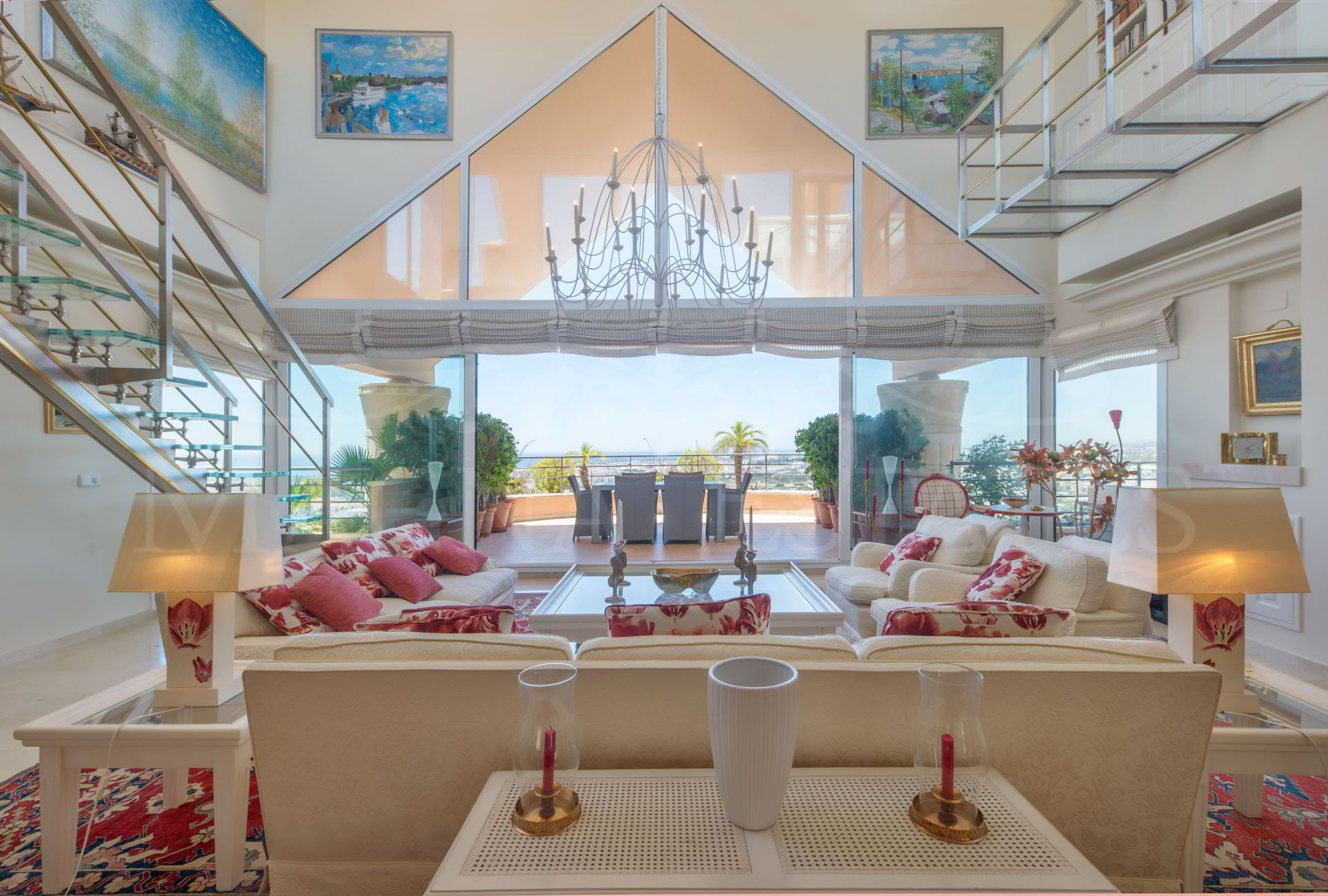 Duplex penthouse with the best sea views in Magna Marbella, Nueva Andalucía