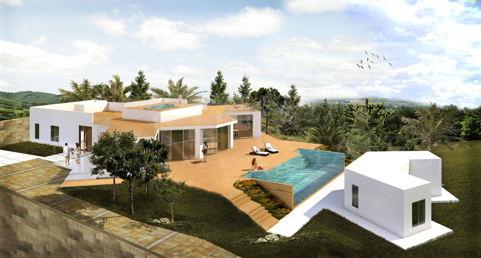 Villa on one floor and in full refurbishment on the Golden Mile, Marbella