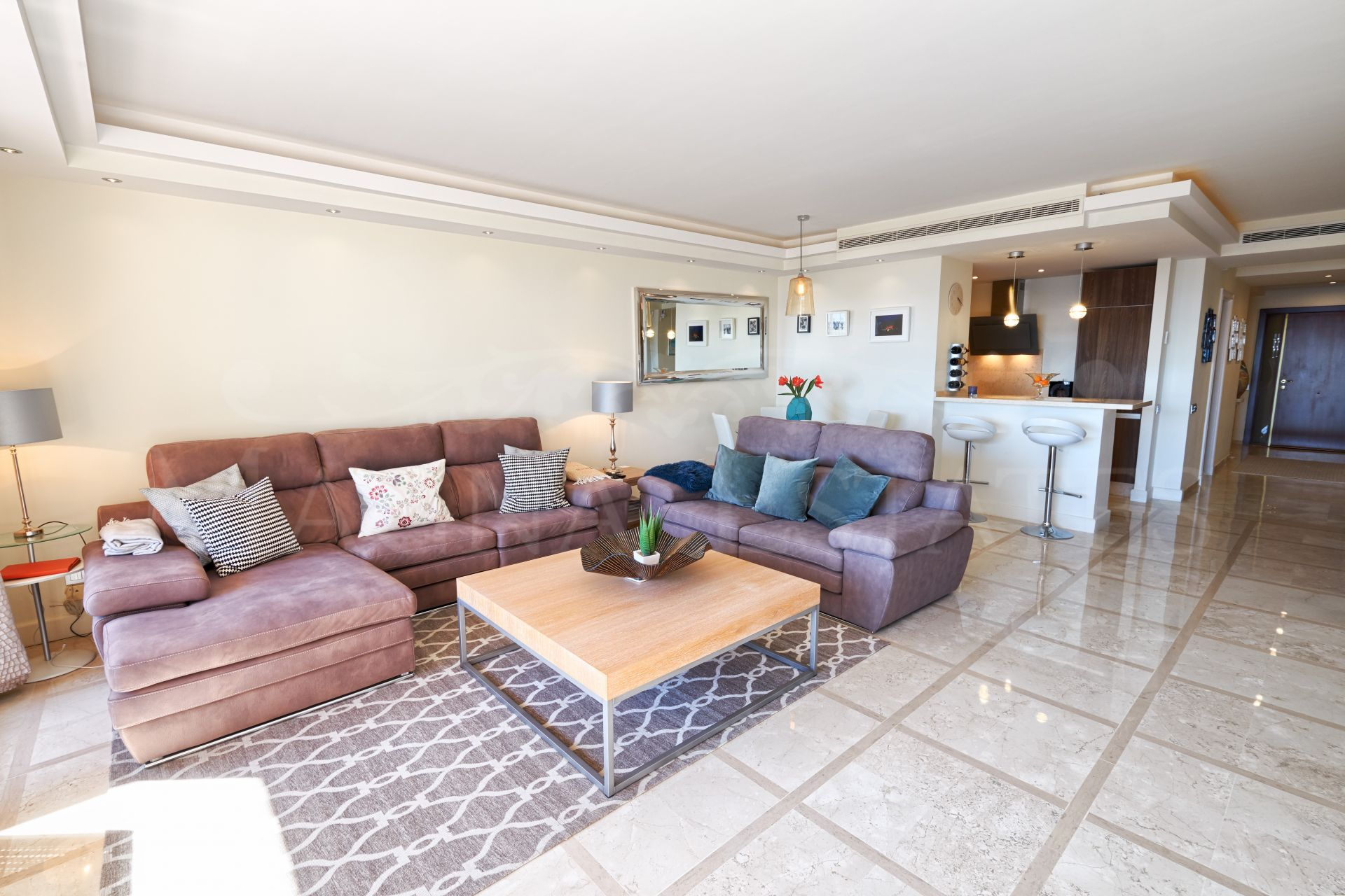 3 bedroom apartment on the beachfront in the new golden mile