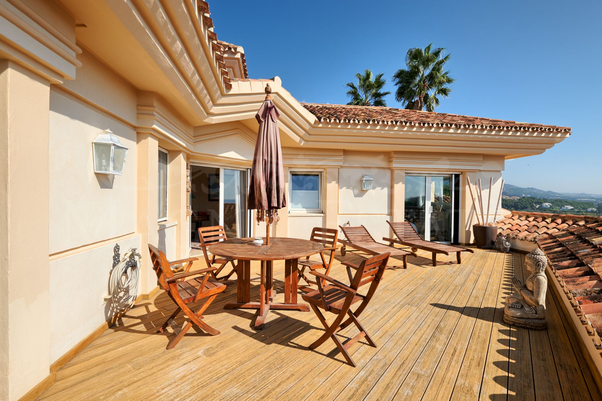 Great classic villa in La Cerquilla, the best area of Nueva Andalucia, Marbella