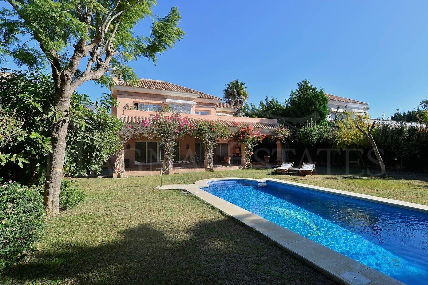 Andalucian style villa with private elevator in Nueva Andalucía, Marbella