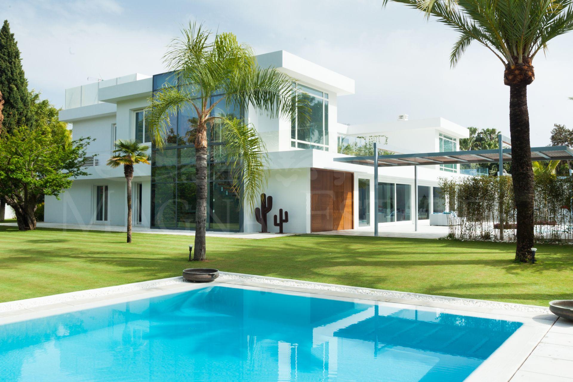 Imposing renovated villa in Guadalmina Baja, Marbella