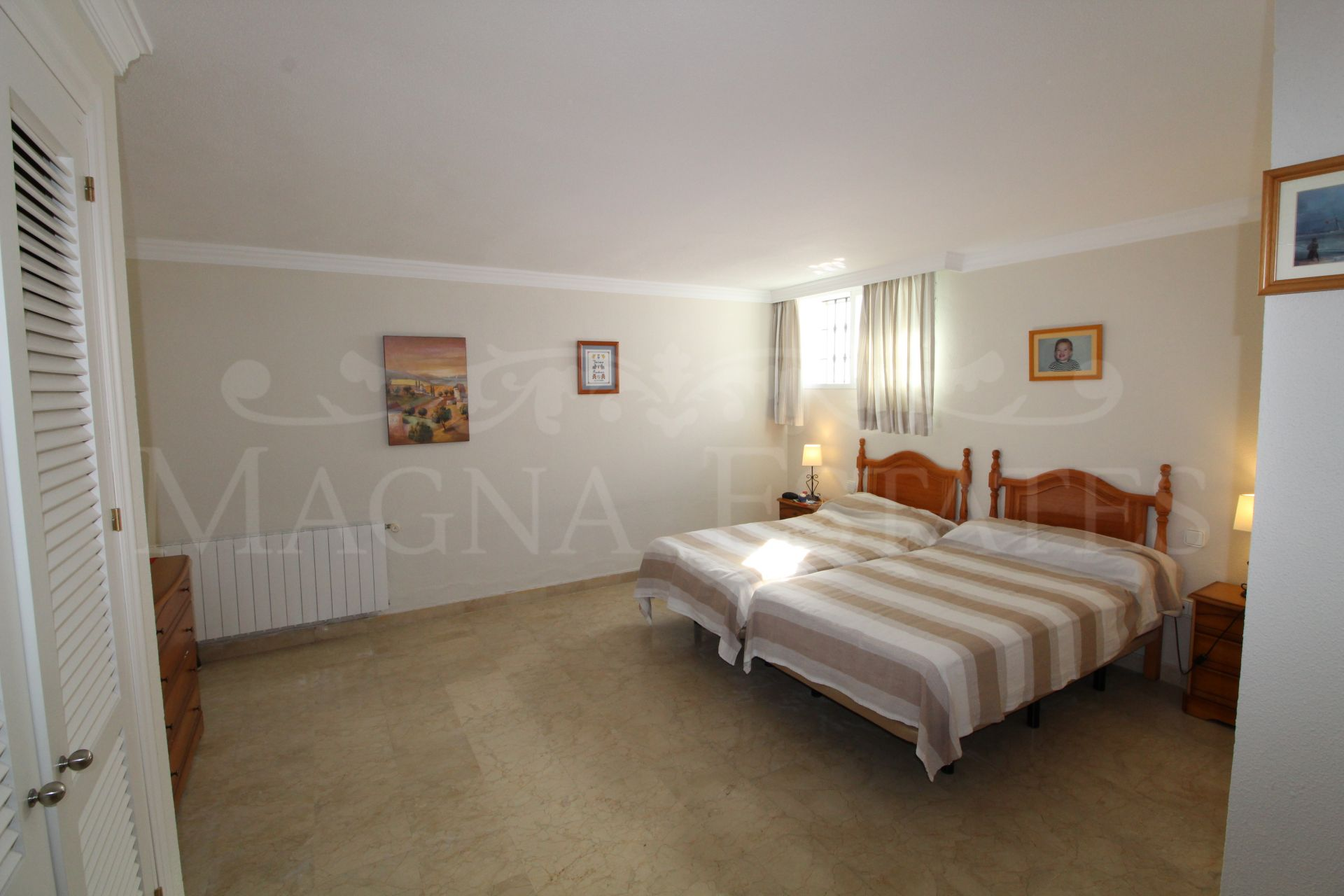 Corner townhouse in Nueva Andalucia, very close to Puerto Banús