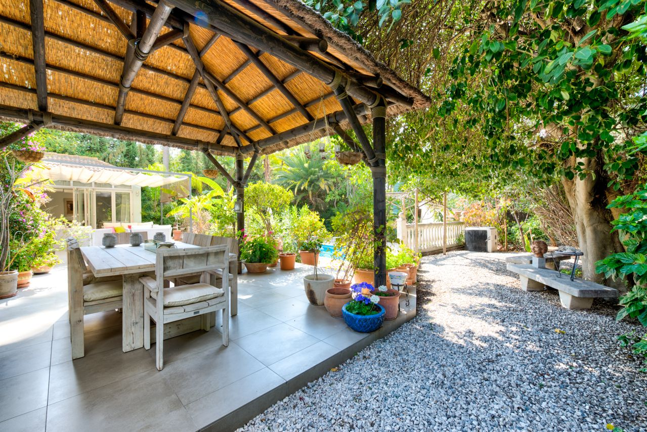 Villa completely renovated in Las Brisas