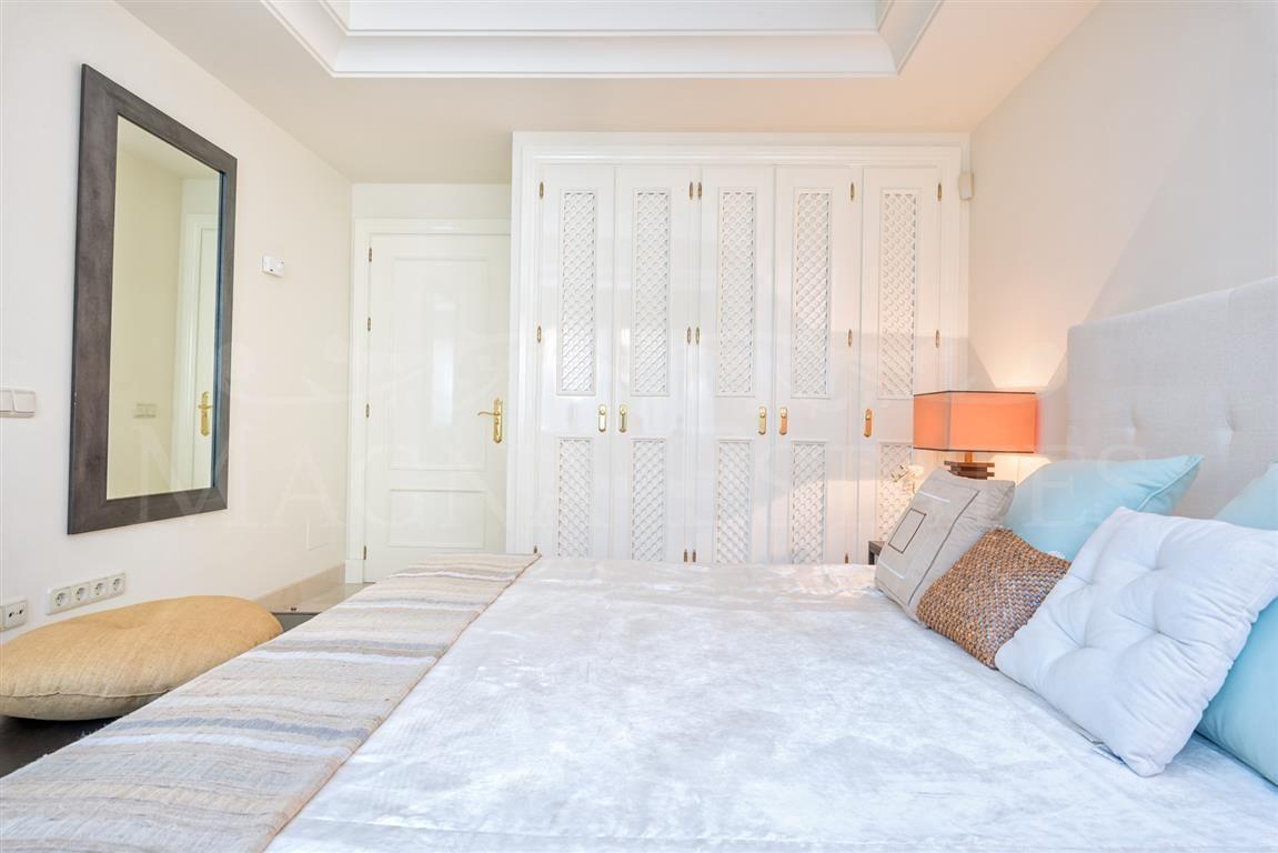 3 bedroom apartment in La Alzambra Hill Club, next to Puero Banús