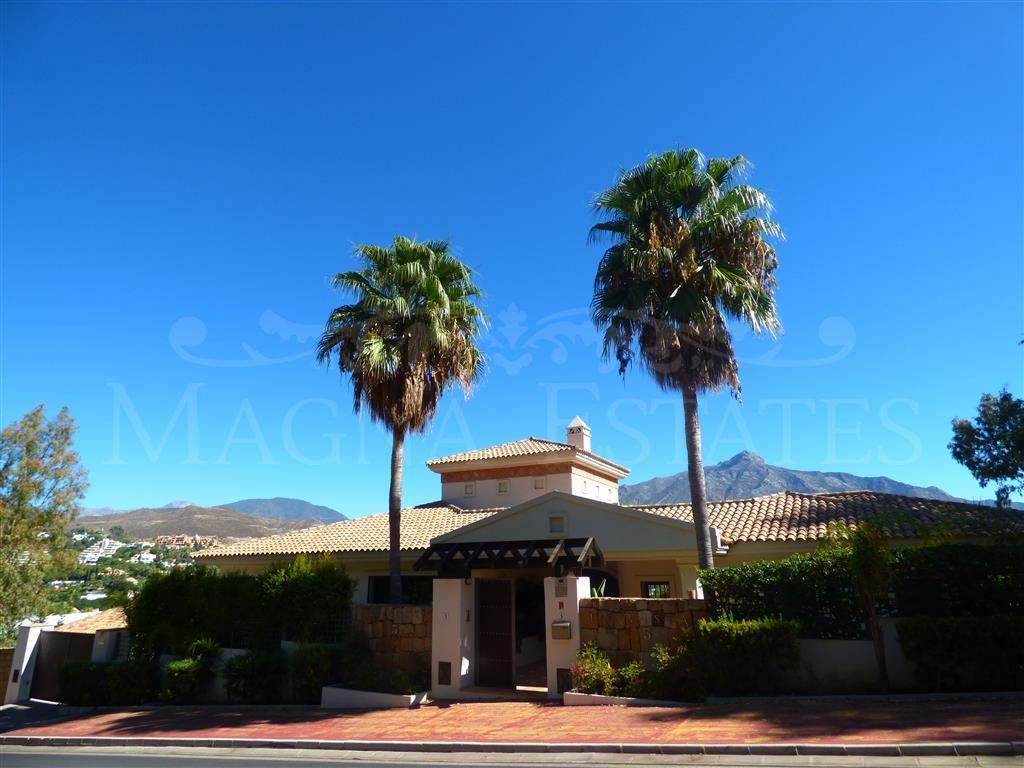 Villa in the golf valley, Nueva Andalucía