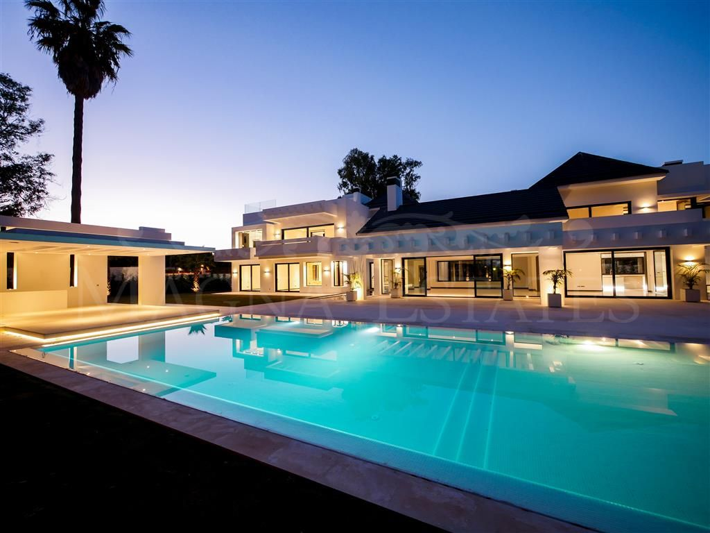 Large contemporary designer villa in Guadalmina Baja