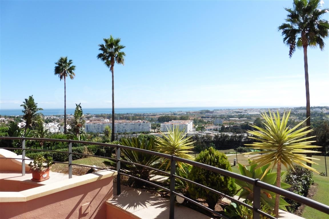 Exceptional 2 bedroom apartment in Magna Marbellla