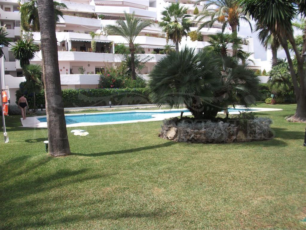 4 bedrooms apartment in Jardines de Andalucía
