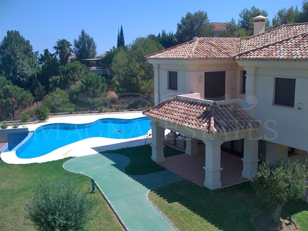 Villa for holiday rent next to Sierra Blanca
