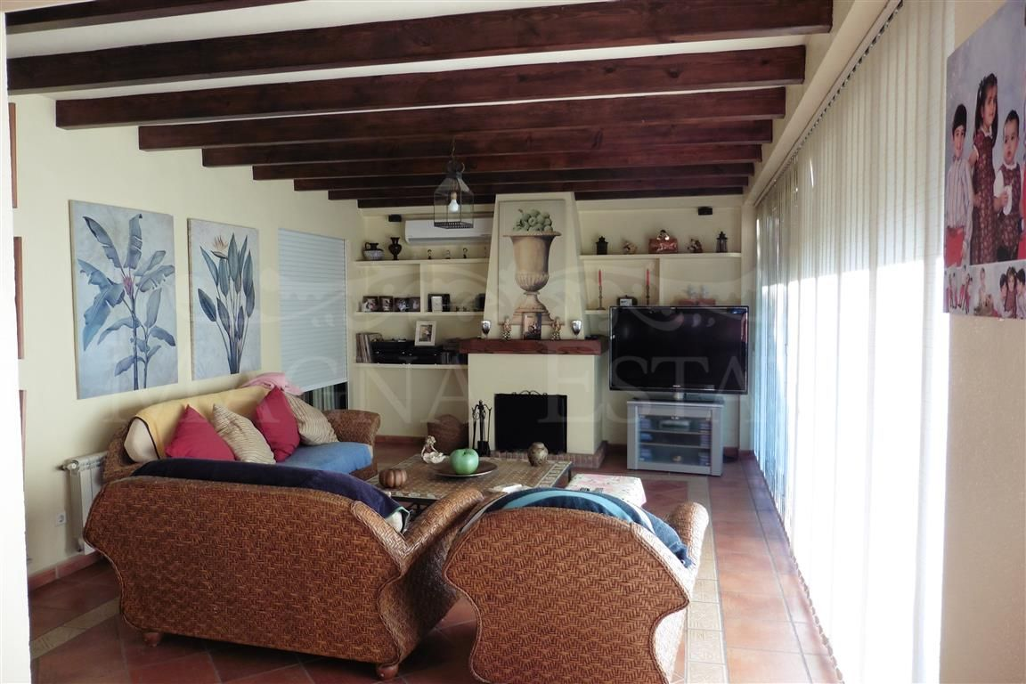 Manor house in Linda Vista Playa