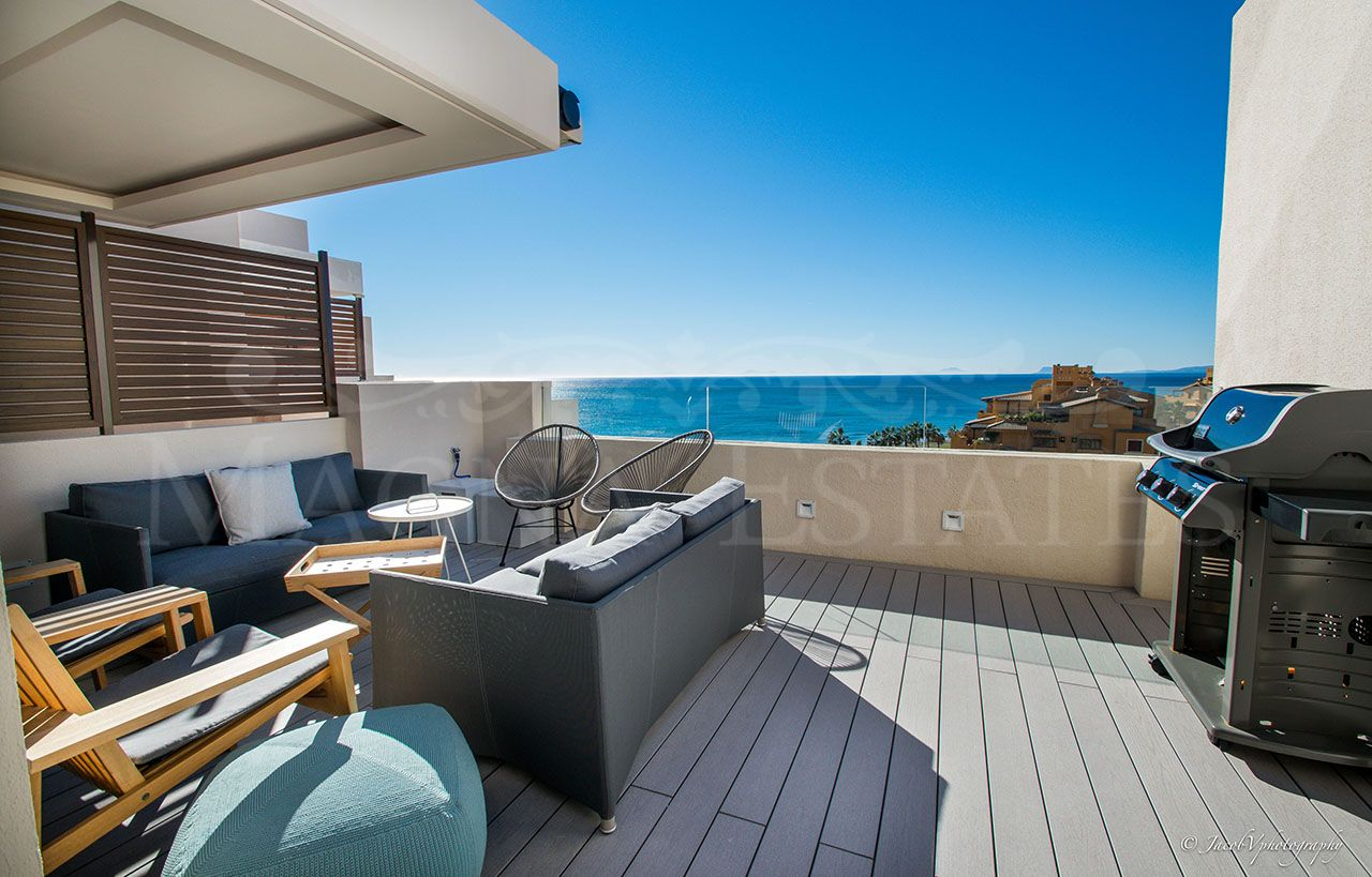 Penthouse in front line beach with incredible views on the New Golden Mile