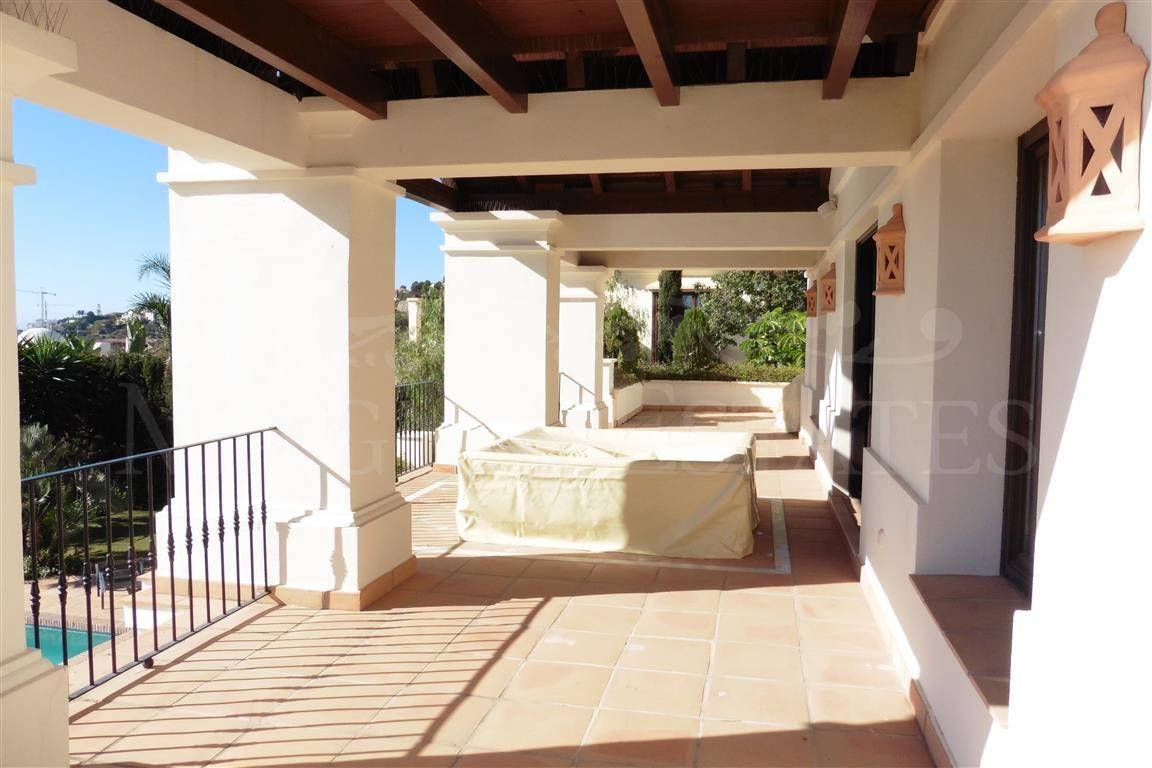 Espectacular villa en el Mirador del Paraíso, Benahavis