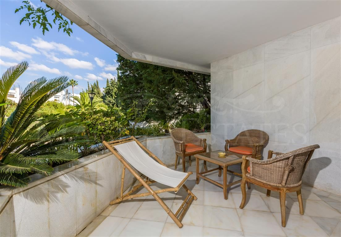 Spectacular apartment for short term rental in Nueva Andalucía