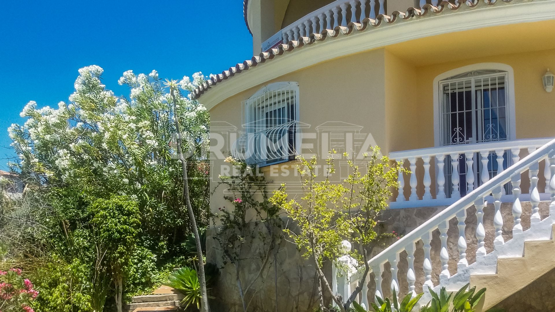 Marbella East, Fabulous Villa in El Rosario, Marbella East (Marbella) For sale / rent